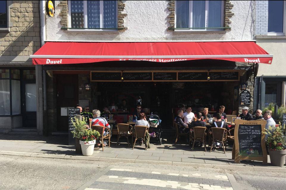 Onder meer in Grand Café in Houffalize liet het koppel de rekening onbetaald achter.