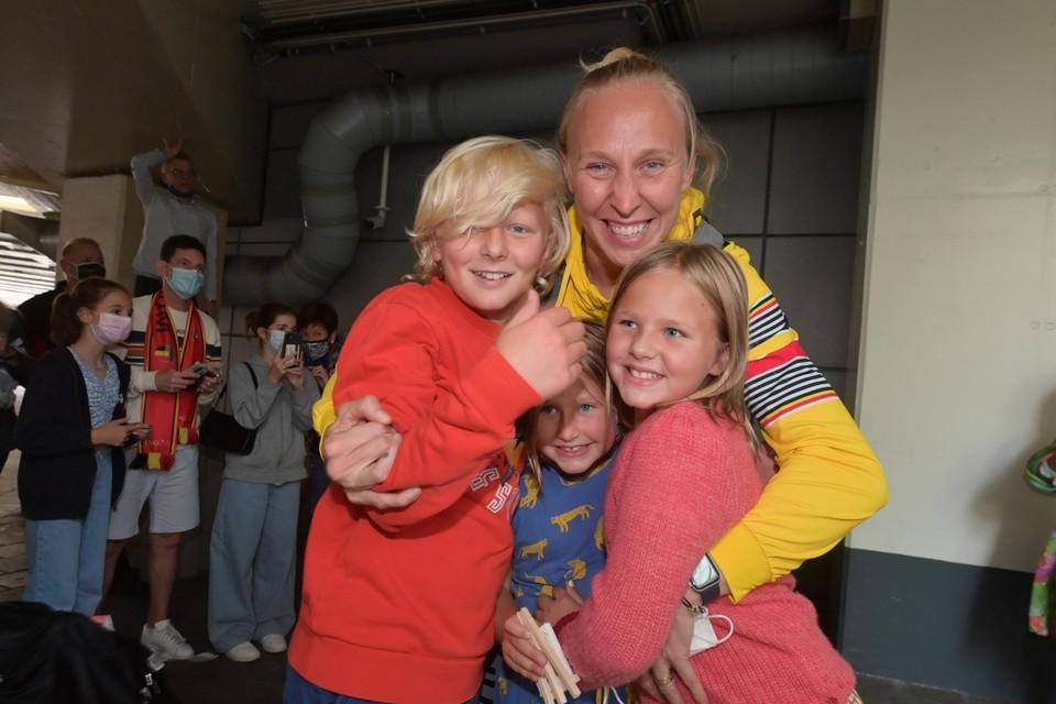 Ann Wauters werd zaterdag op de luchthaven herenigd met haar drie kinderen.