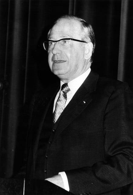 Gouverneur Andries Kinsbergen lustte graag Zandhovense bakharing.