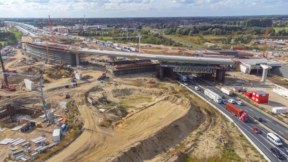 De Oosterweelwerken aan de E17 op Linkeroever gaan goed vooruit