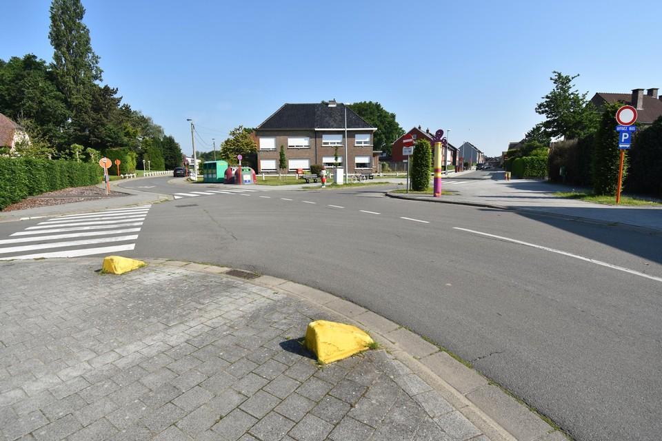 Het kruispunt wordt veiliger en kleuriger.