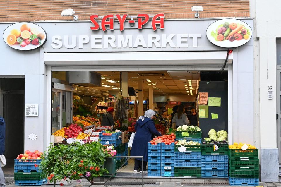 Groene tomaten, kleine artisjokken en hazelnoten in de ingang van Say-Pa.