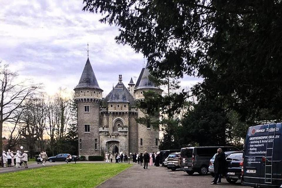Het huwelijksfeestje aan het Zellaerkasteel in Bonheiden.