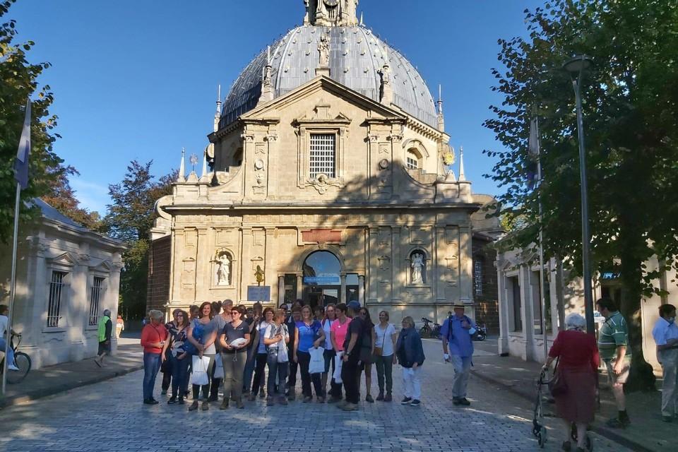 De wandelaars droegen meer dan driehonderd wensen van hun patiënten mee naar Scherpenheuvel.