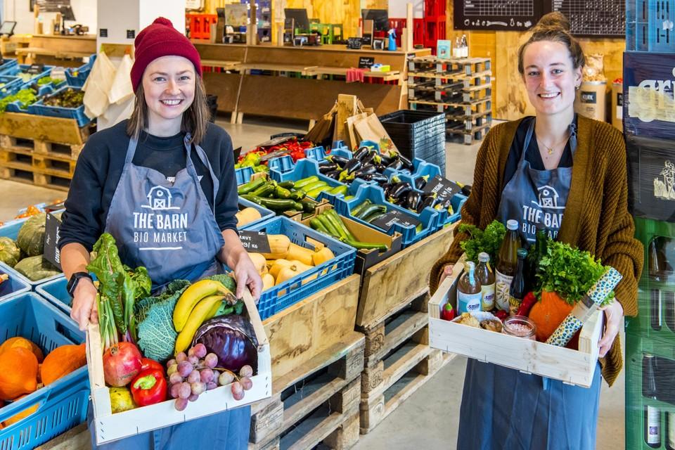 Bente en Axelle van het Antwerpse The Barn-team.