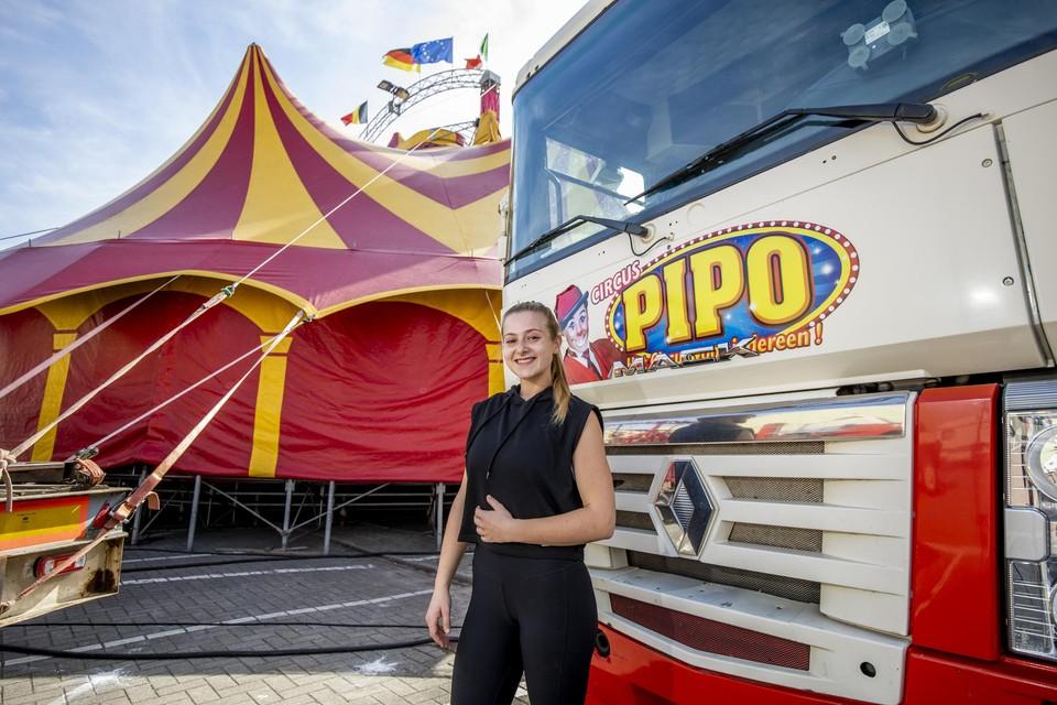 Natascha Heppenheimer van Circus Pipo en haar familie zijn blij eindelijk weer te kunnen optreden.