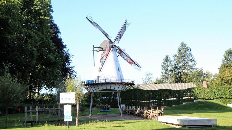 Den Steenen Molen is zondag toegankelijk.