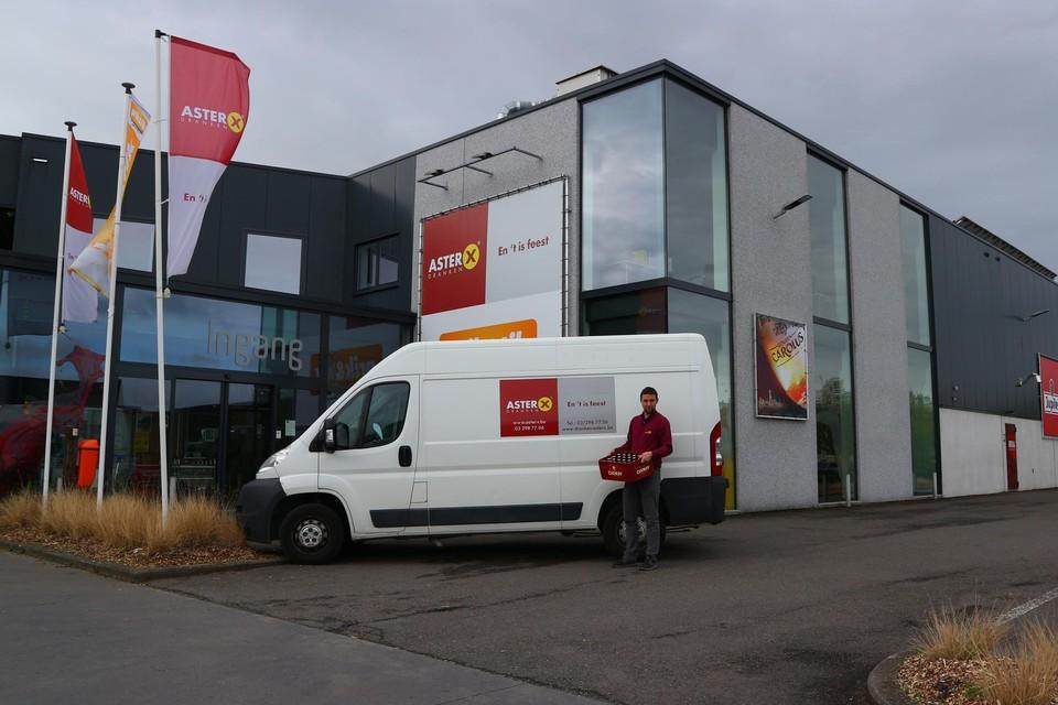 Christophe Geeraerts aan het hoofddepot en administratief centrum van AsterX aan de Herman De Naeyerstraat in Waarloos.