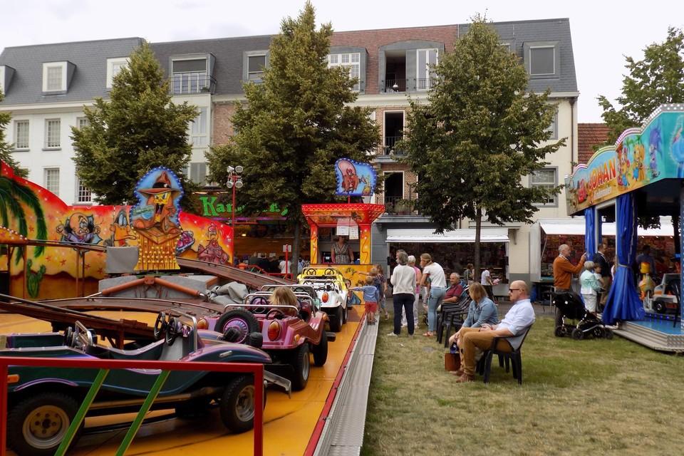 De kermis stond vorig jaar nog opgesteld in het centrum van Vosselaar, maar dit jaar is er toch geen foor. Andere gemeentebesturen laten de kermissen in juli toch weer doorgaan.