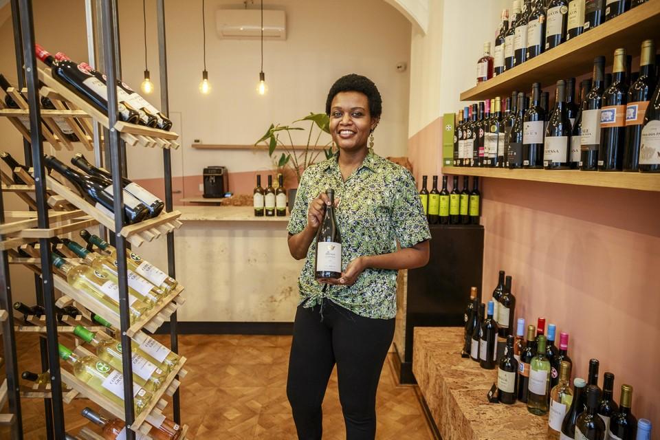 Diana Wanjau in haar winkel.