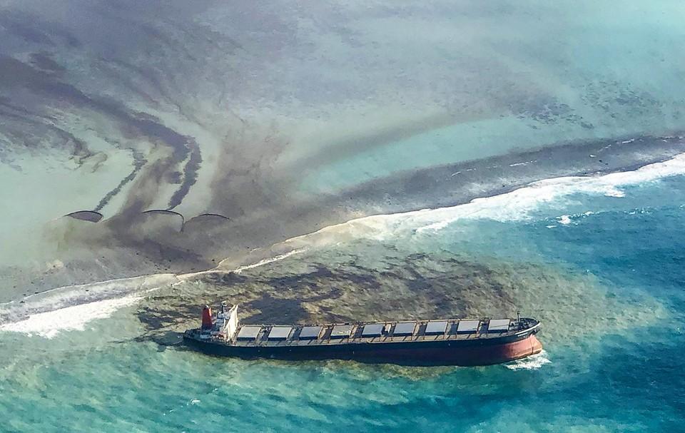 De Wakashio, met 4.000 ton olie aan boord, strandde in augustus 2020 voor de kust van het eiland Mauritius.