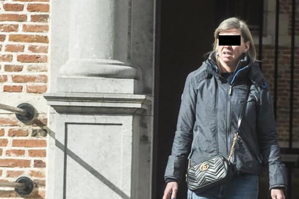 Ilse L uit Kasterlee maakte het afgelopen anderhalf jaar alwéér tientallen slachtoffers door dure spullen te kopen zonder te betalen.