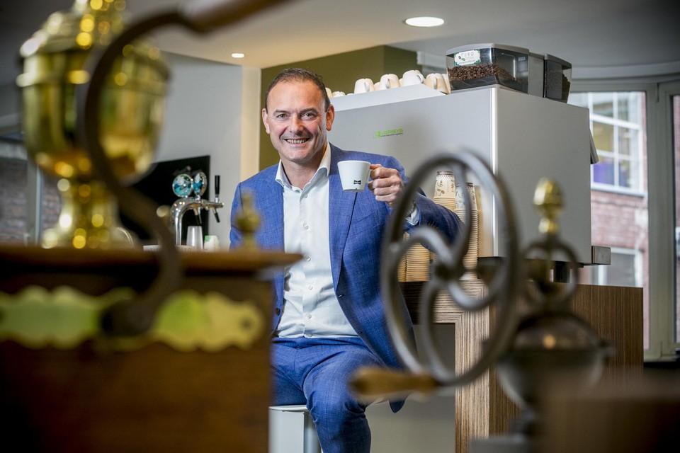 Frans Van Tilborg, CEO van Miko Group, klinkt op de meerderheidsparticipatie - met een kop koffie uiteraard.