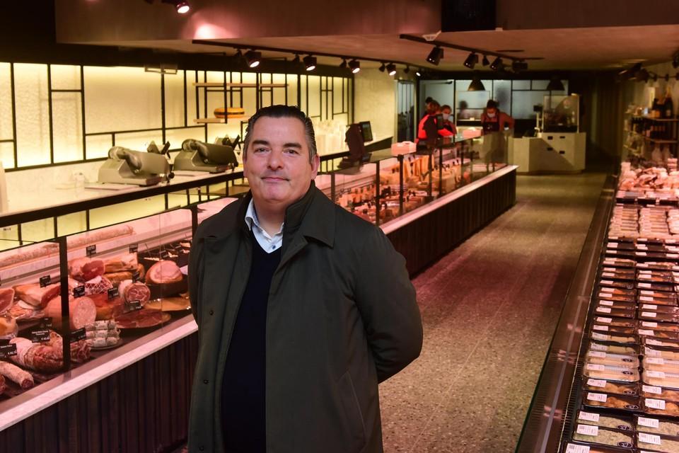 Peter Van Hulle is blij dat de nieuwe winkel voor Kerstmis open gaat.