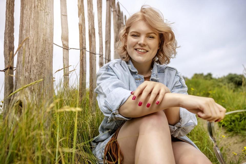 Amber Klockaerts maakt kans om nieuwe single Regi te mogen inzingen.