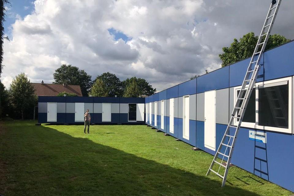 De containers als tijdelijk klaslokaal.
