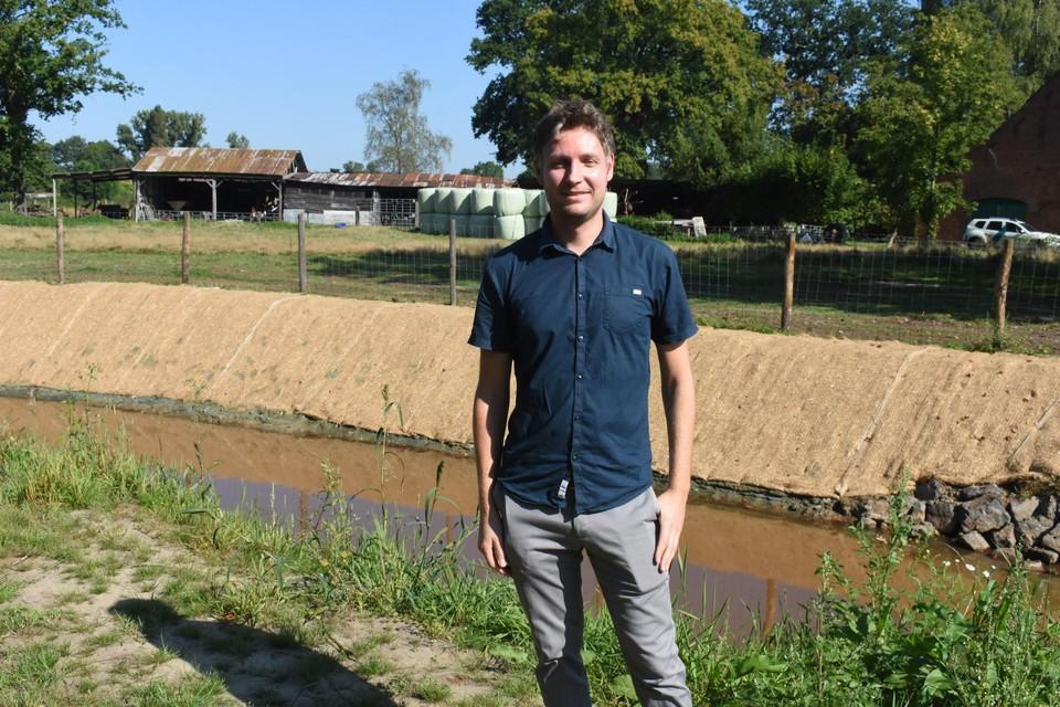 Projectleider Rik Scholiers bij een deel van de vispassage.