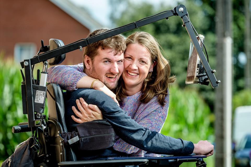 Rob en Kelly doen dinsdagavond hun verhaal in het Eén-programma .