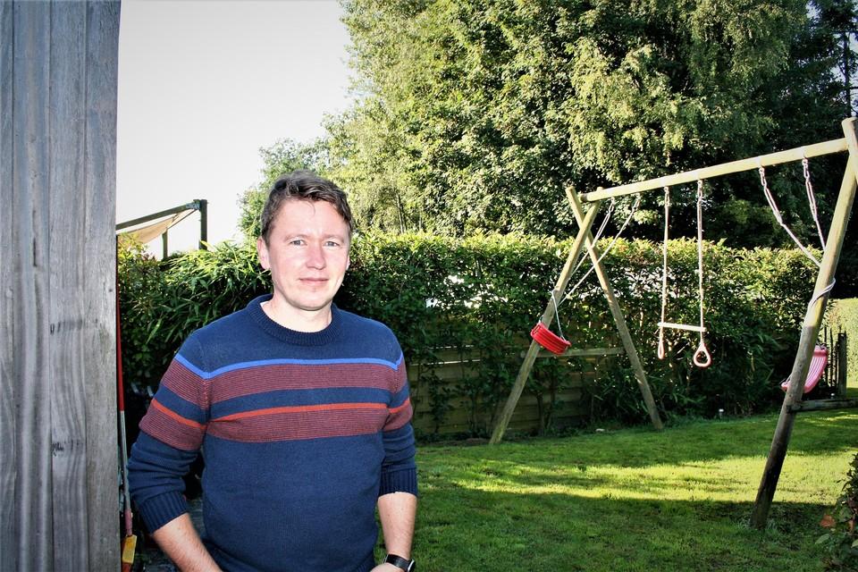 Peter Heirwegh merkte de nest op in zijn tuin.