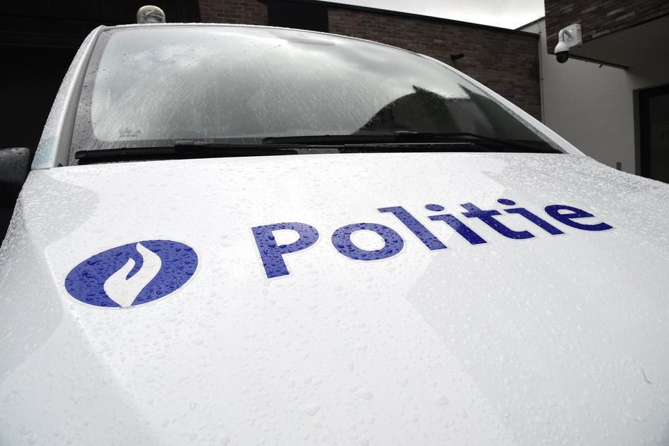 De kerel stal de auto in Mechelen en botste in Antwerpen tegen een politiecombi.
