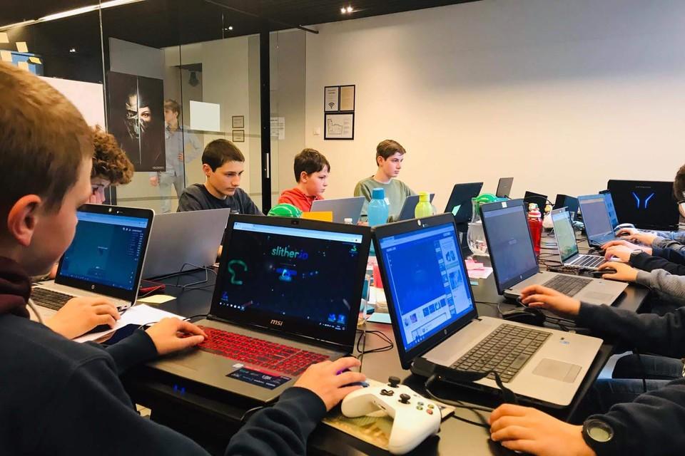 Een voorbeeld van een gaming-kamp.