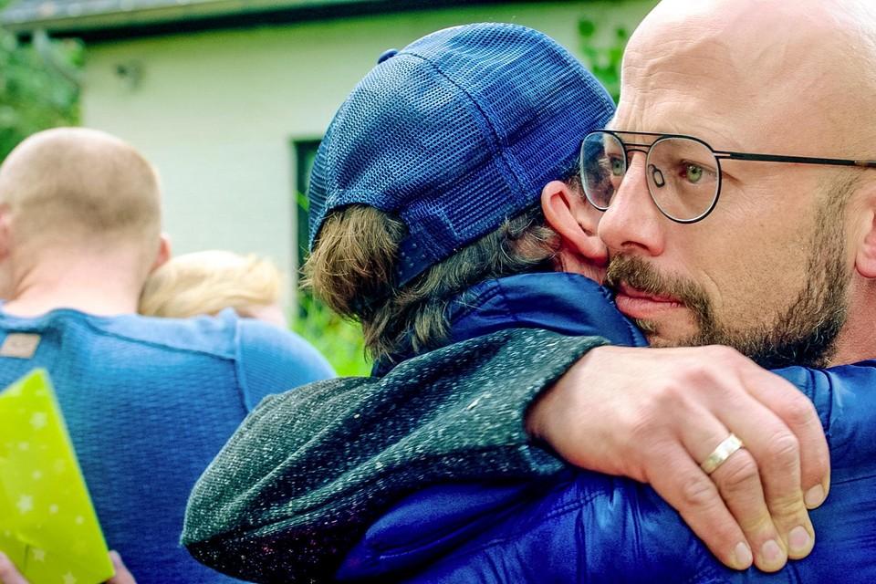 Staf neemt afscheid van broer Mathias.