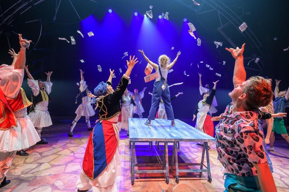 Opnieuw 'Money, money, money' in de Abba-musical Mamma mia!