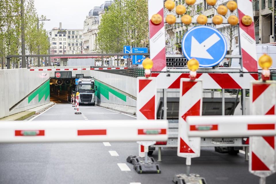 In oktober 2020 reed een vrachtwagen ook al eens de waterleiding aan het plafond stuk.