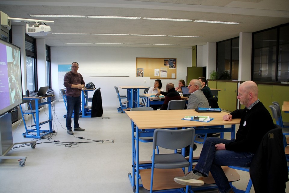 Ben Bastiaensens van Talentenschool gaf een lezing over internationalisering aan zijn Nederlandse collega's.
