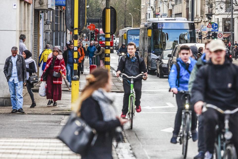 Gemeenten zouden het geld kunnen gebruiken om nieuwe fietspaden te leggen, of bestaande fietspaden opnieuw te leggen.