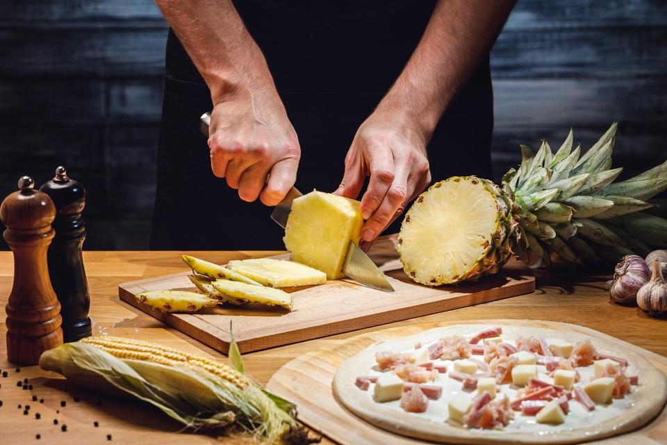 Pizza Hawaï: liefst met verse ananas