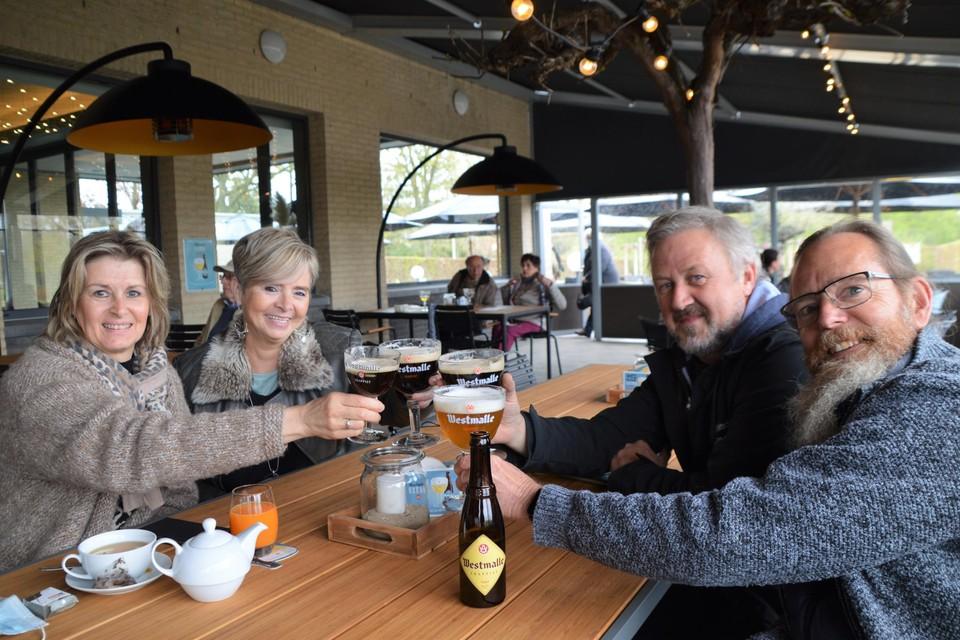 Rik Vermeiren (60) en zijn vrouw Rita Van Looveren (56) hadden Marc Smolders (60) en Christel Joosten (54) meegevraagd.