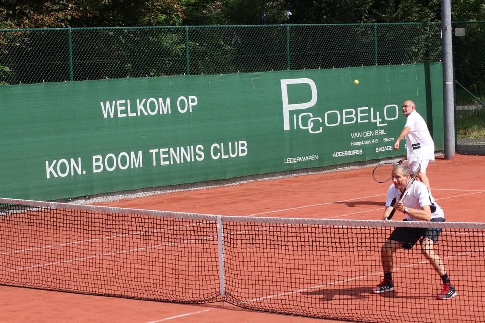 Tennis Club Boom heet jongeren welkom voor een gratis initiatie.