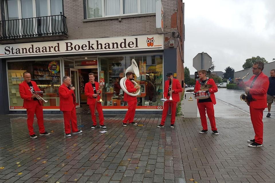 Onder meer Mr. Sousa & The Barracudas zorgen voor een muzikale noot.
