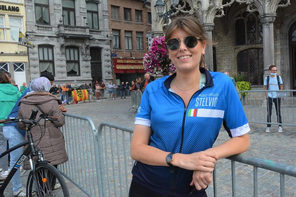 Lore Van Herreweghe kwam vanuit Antwerpen om de renners aan te moedigen.