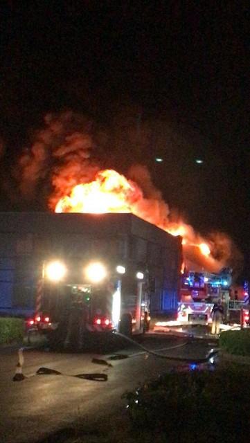 De brand woedde in alle hevigheid, maar was wel behoorlijk snel onder controle.