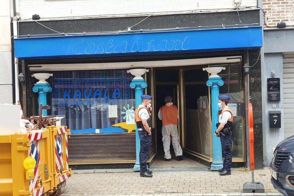 De cannabisplantage kwam maandagmiddag aan het licht tijdens een controle door inspecteurs van de RVA in een leegstaand restaurant in de Parkstraat, vlakbij de Grote Markt.