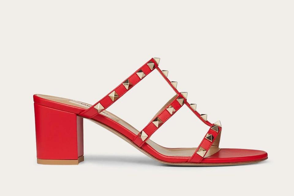 Rockstud-sandaaltjes van Valentino, 570 euro
