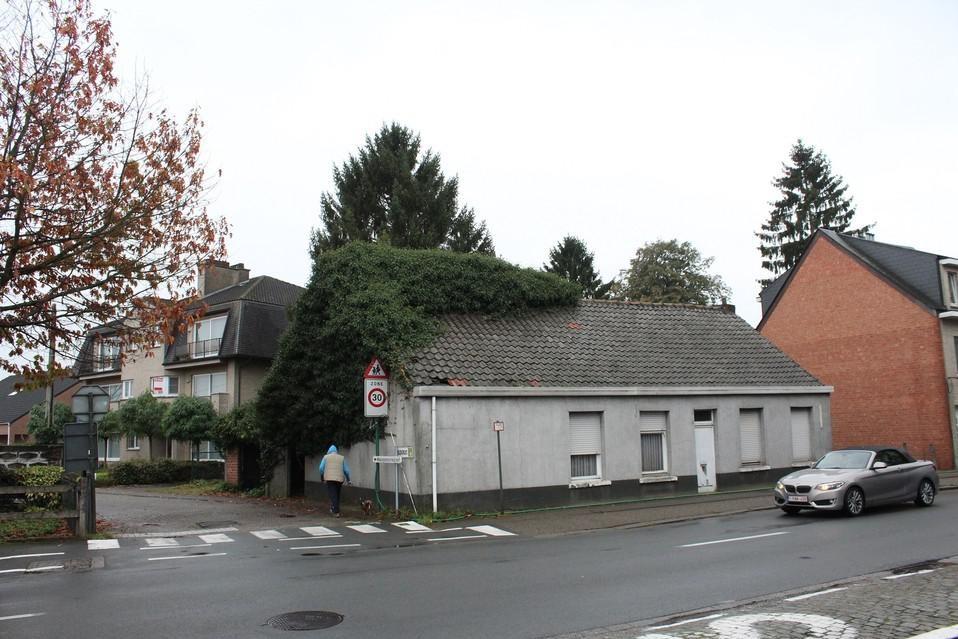 Het bewuste huis, kort voor de afbraak in 2017.