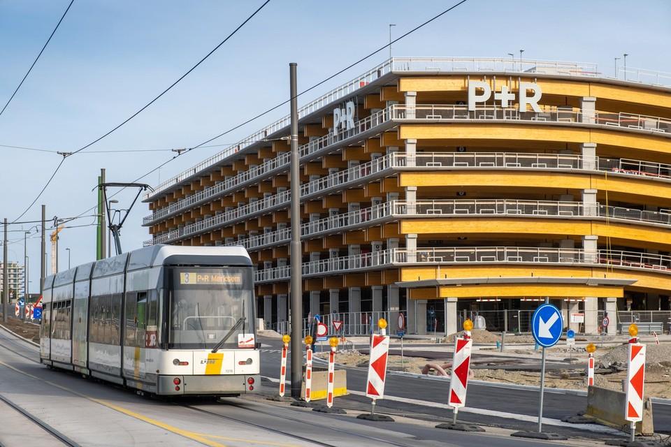 Automobilisten kunnen vanaf december voor een euro een dag lang parkeren in een park-and-ride. Een goedkopere optie vinden wordt moeilijk.