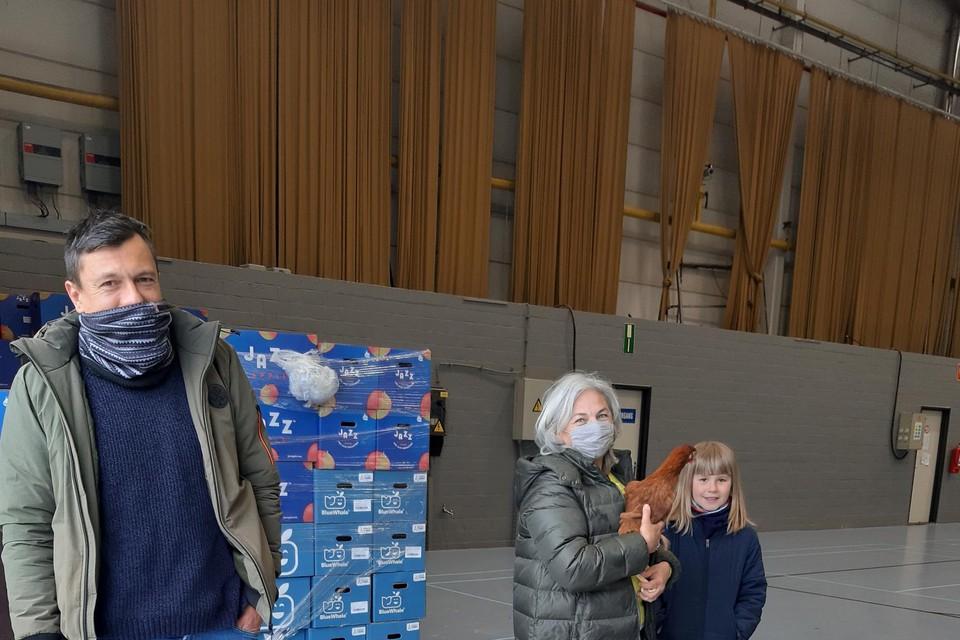 Als onderdeel van het preventiebeleid rond afval, organiseert de gemeente Putte tweejaarlijks een kippenverkoop.