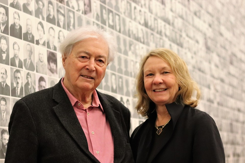 Henri Roanne Rosenblatt en Meg Waite Clayton.