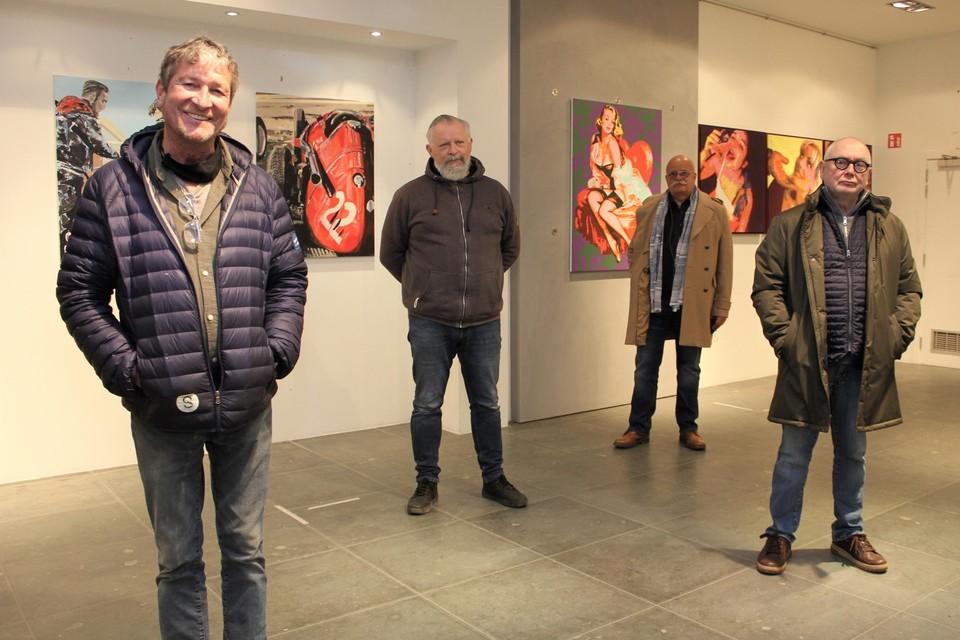 Galeriehouder Peter Everaert en kunstenaars Ludo K., Bart Verheyen en Bert Prins.