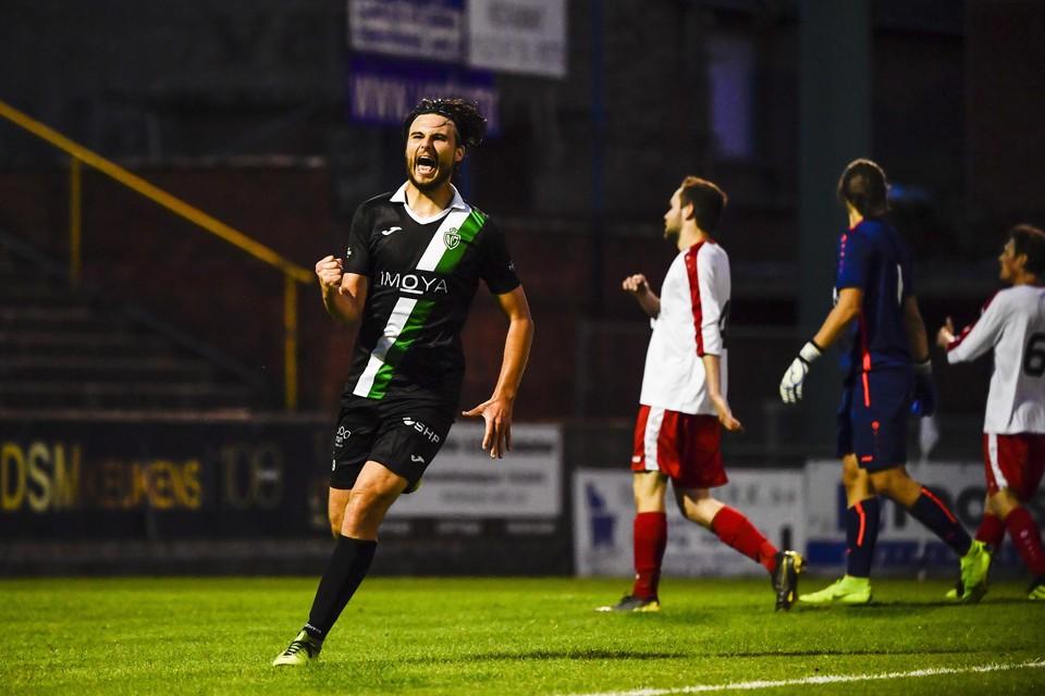 Dean Doncos viert een van zijn doelpunten. Tweedeprovincialer Sint-Job was zaterdagavond meer dan een maatje te klein voor Racing Mechelen.