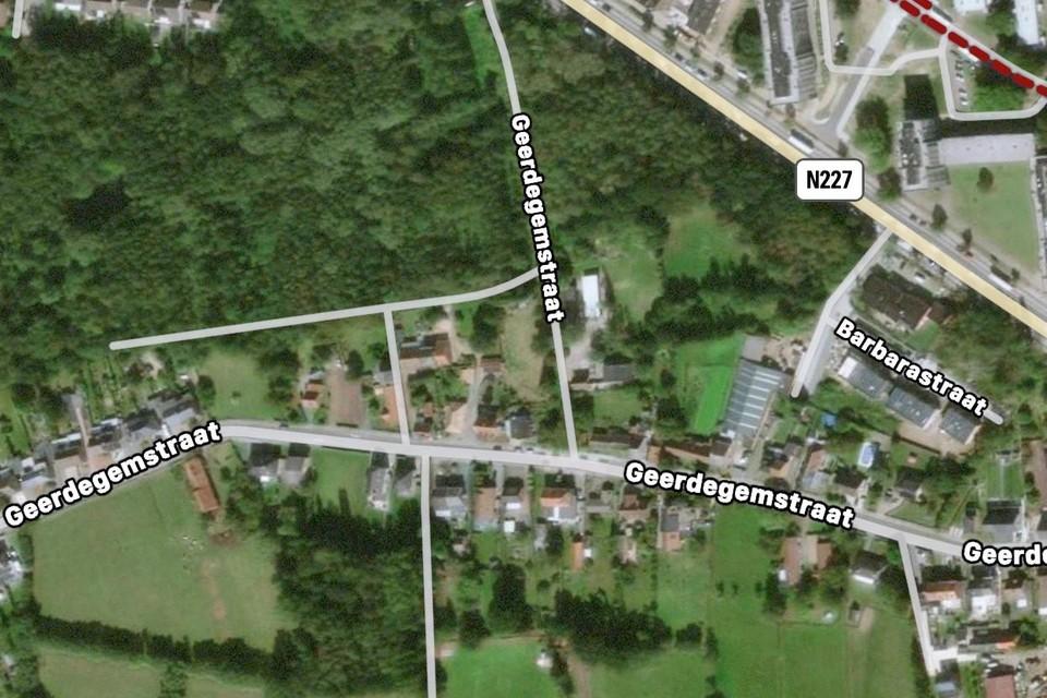 Deze kaart toont de ligging van het Geerdegembos tussen de Geerdegemstraat en de Jubellaan.