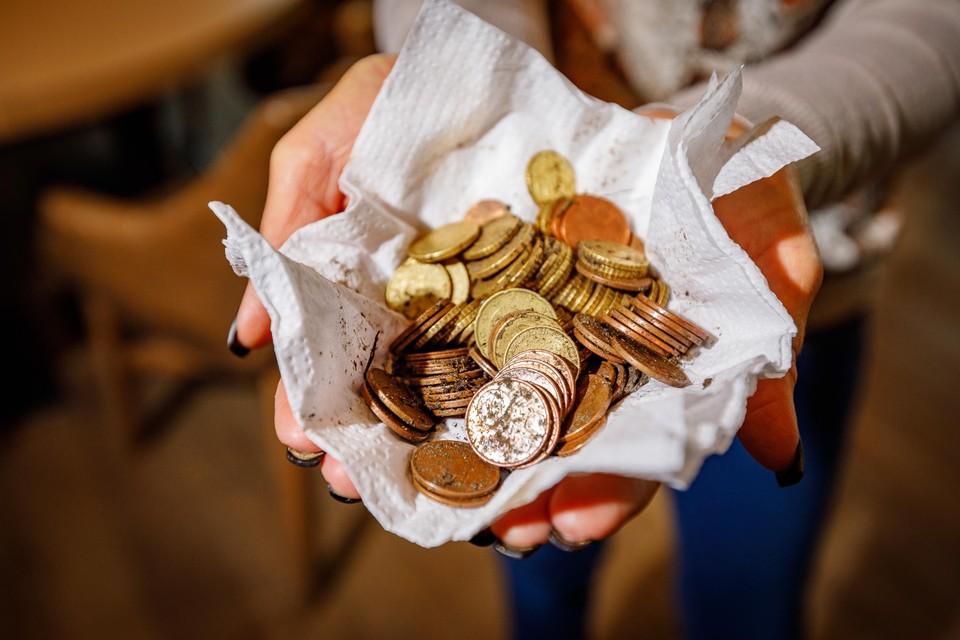 Gestolen munten die werden teruggevonden.