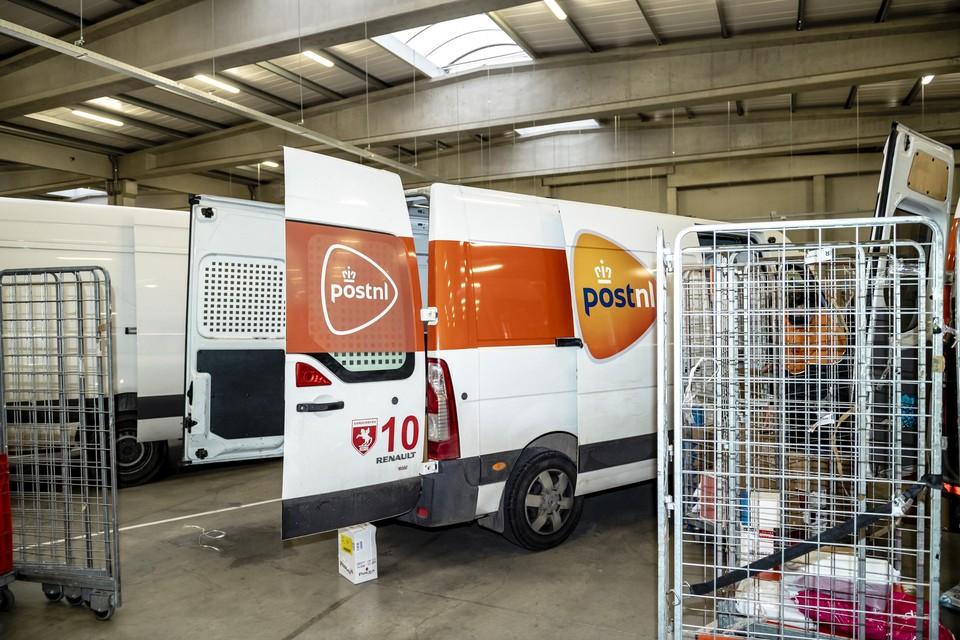 Als de inbreuken zich blijven opstapelen kan de arbeidsauditeur de depots van de koerierbedrijven laten verzegelen.
