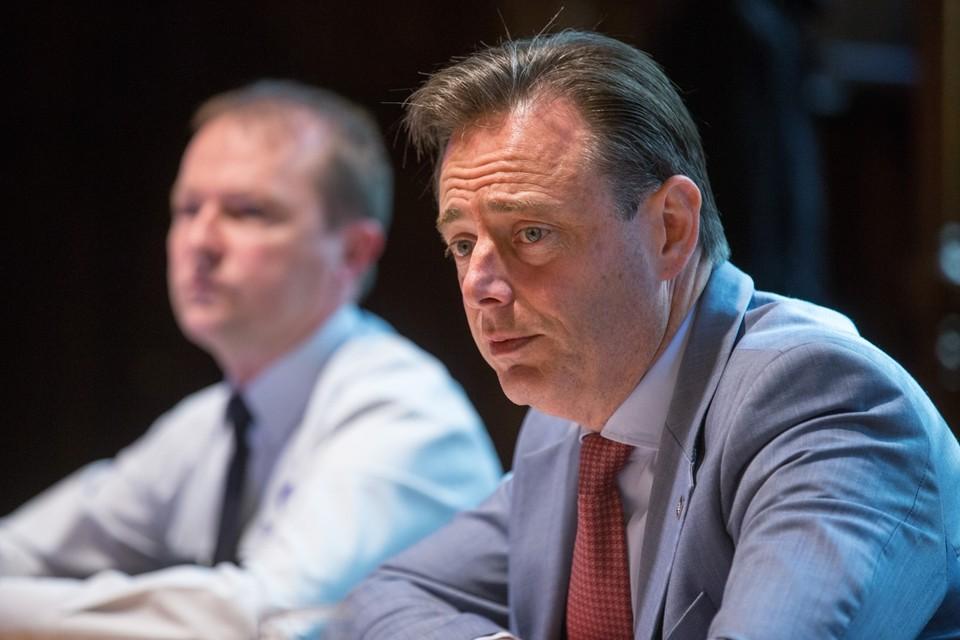 Serge Muyters en Bart De Wever.