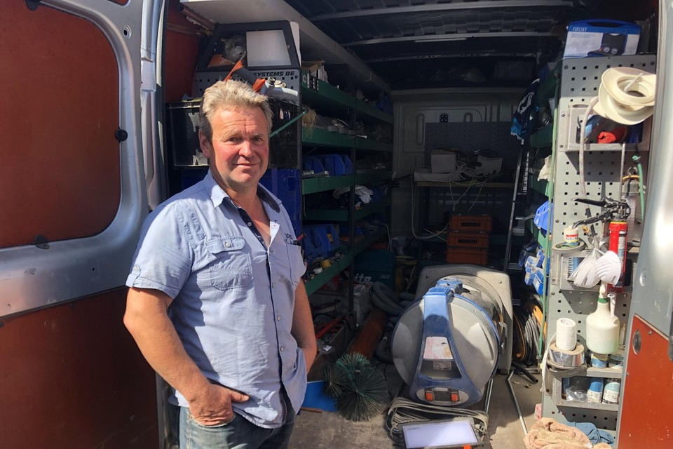 Het aantal diefstallen daalde sterk in 2020 maar in juni vorig jaar had loodgieter Geert Moorkens uit Tielen wel prijs. Dieven plunderden toen zijn bestelwagen.