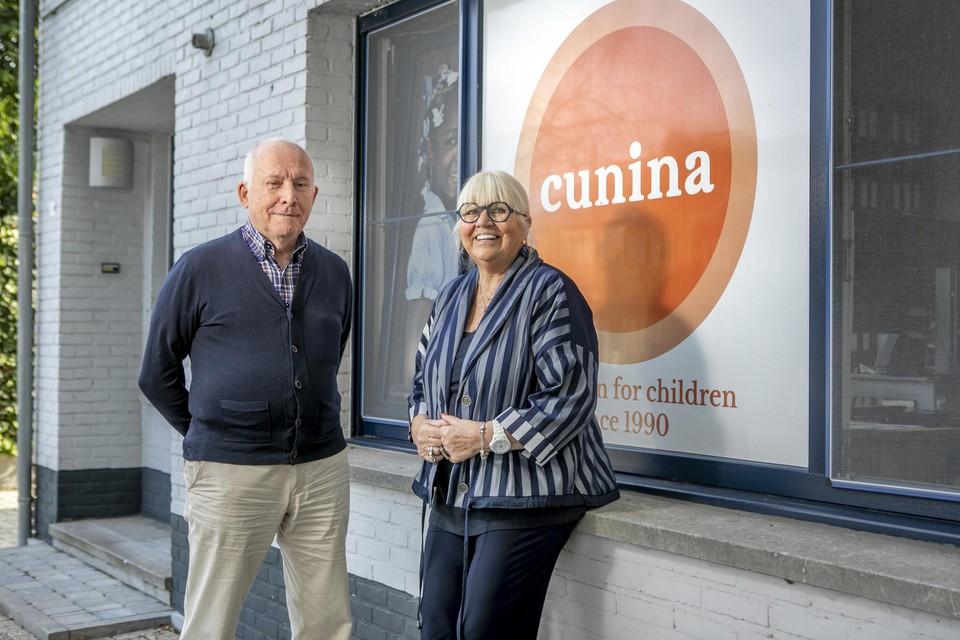 Pater Jan Hoet en Sophie Vangheel, de oprichtster van hulporganisatie Cunina.